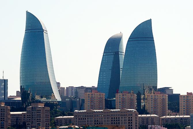 阿塞拜疆最高manbetx官网电脑版——火焰塔由三幢火舌造型的大楼组成