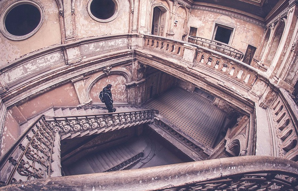 废弃宫殿楼梯