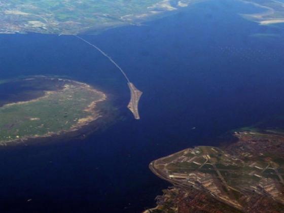 松德海峡大桥鸟瞰图